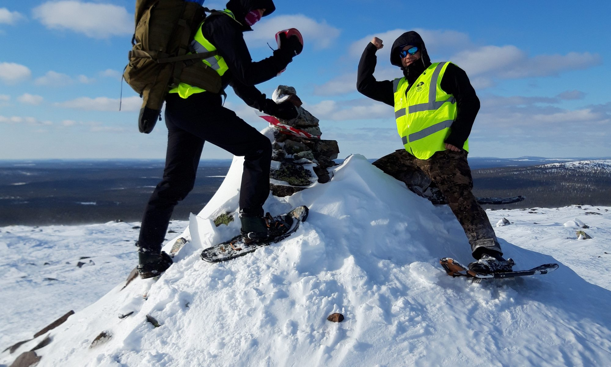 Volunteers on top of Kesänki